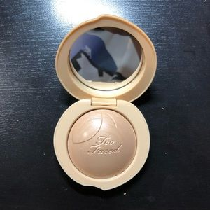 BNWT Too Faced Peach Frost Highlighter